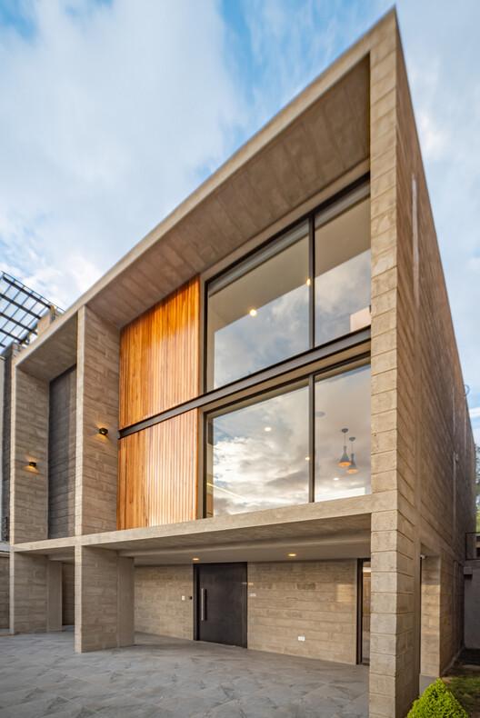 Moca House / CASTILLO + VALDIVIESO arquitectos.  Изображение © Maz Coronel
