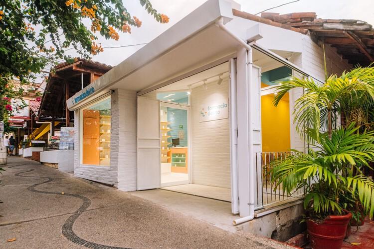 Farmacia del río  / güey studio, © Eduardo Mendoza