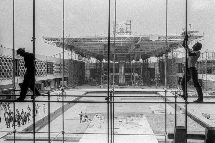 Graham Foundation anuncia los ganadores del programa de becas 2021, LIGA–Archivos. Museo Nacional de Antropología, Ciudad de México, 1985. Image © Bob Schalkwijk