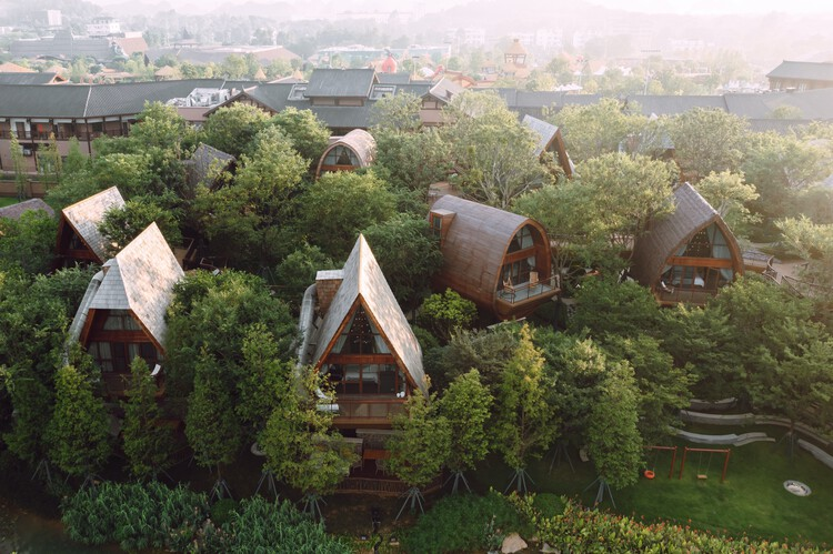 Guilin Lebei Homestay Hotel / aoe, © Runzi Zhu