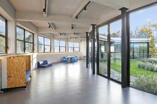 Renovación edificio C MIL / CASTOR FIBER architecture studio