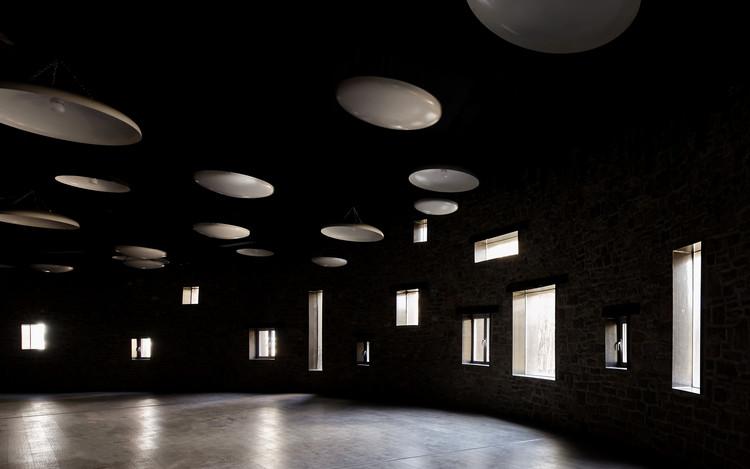 Windows of the spectator hall. Image © Chun Fang