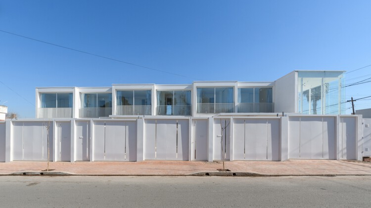 Complejo habitacional y comercial Camellia / Estudio I LZ, © Gonzalo Viramonte