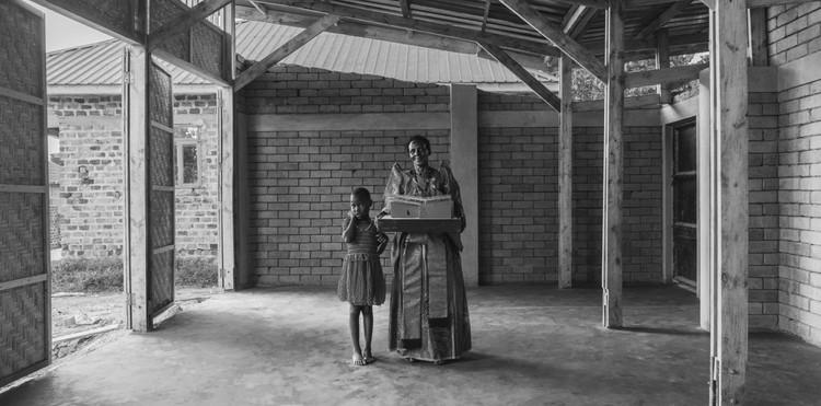 La casa de Jajja: viviendas autoconstruidas para mujeres rurales en Uganda, La casa de Jajja. Uganda, 2020. Image Cortesía de Huevo de Pato