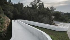 Rampa - Llegada del camino francés a Santiago / CREUSeCARRASCO Arquitectos