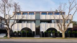 Ensemble Apartments / Kavellaris Urban Design