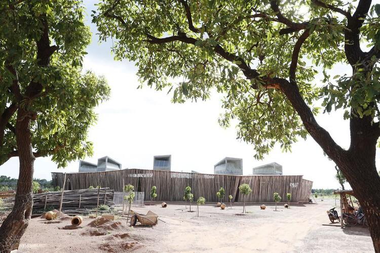Средняя школа Лицей Шорге / Архитектура Кере.  Изображение © Иван Баан