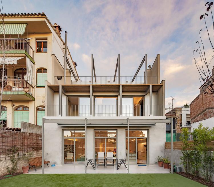 Casa en la calle Muntanya / Sau Taller d'Arquitectura, © Andrés Flajszer