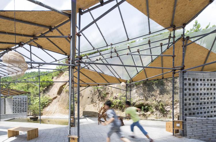 Временная мастерская и центр отдыха на ферме Цяньи Предоставлено Big Smallness Studio + Wuhan ADAP Architect.  Изображение