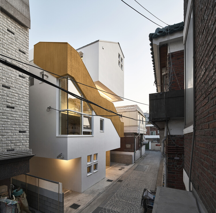Casa del callejón / Todot Architects and Partners, © Choi Jinbo
