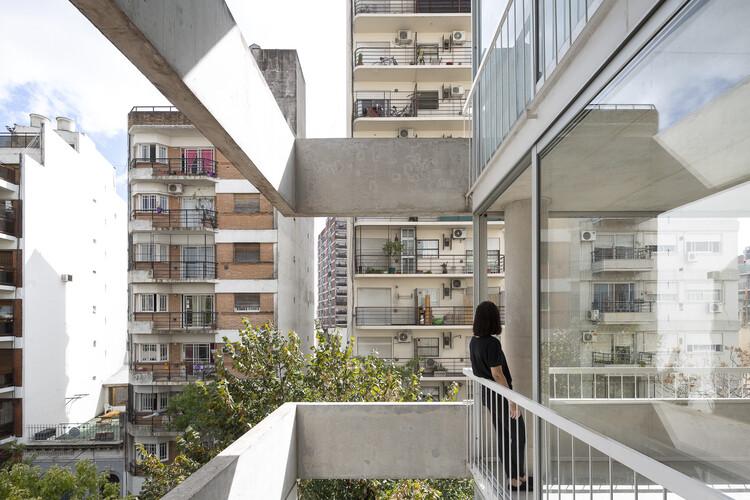 Edifício Franklin 684 / Tovo Sarmiento arquitectos, © Javier Agustín Rojas