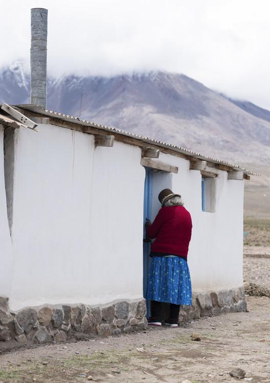 Conservación sostenible en el Altiplano Chileno: ¿Cómo se adaptan las técnicas locales a los contextos de escasez material y a los requerimientos de las comunidades? , Vivienda, Tacora. Image vía Archivo fotográfico Fundación Altiplano