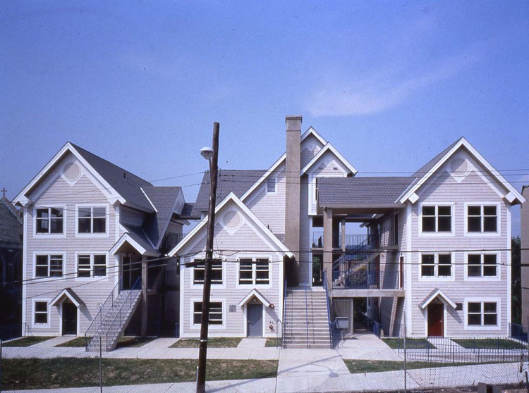 Lo local puede ser universal, Courtesy of Duo Dickinson Cephas Housing, Yonkers, New York