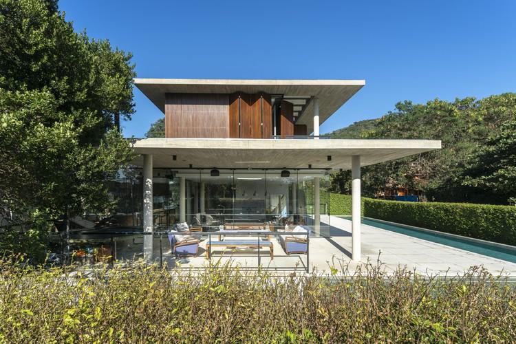 Porto da Lagoa House / Marchetti Bonetti+ Arquitetos Associados, © Ronaldo Azambuja