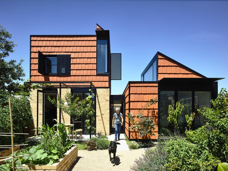 Hortas residenciais: projetos que trazem a agricultura para dentro de casa, Foto © Derek Swalwell