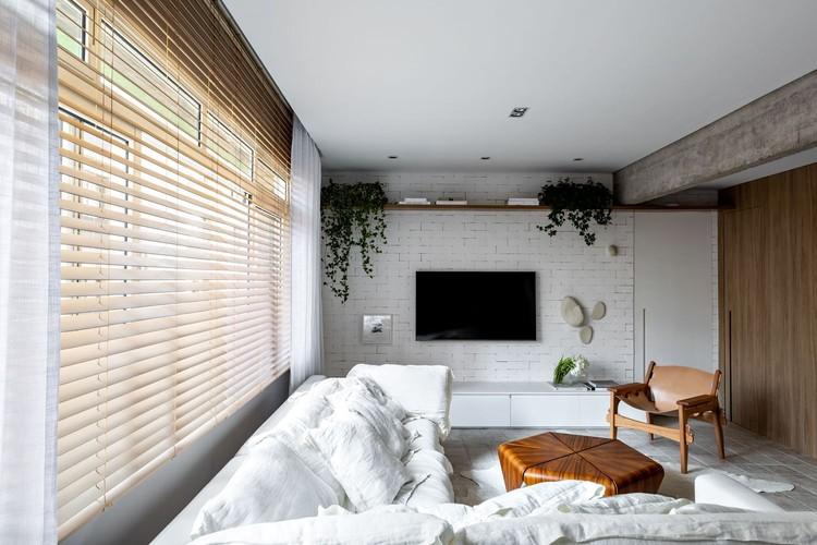 Апартаменты VM / Нью-Джерси + Arquitetos Associados;  Пердизес, Бразилия.  Изображение © Fran Parente