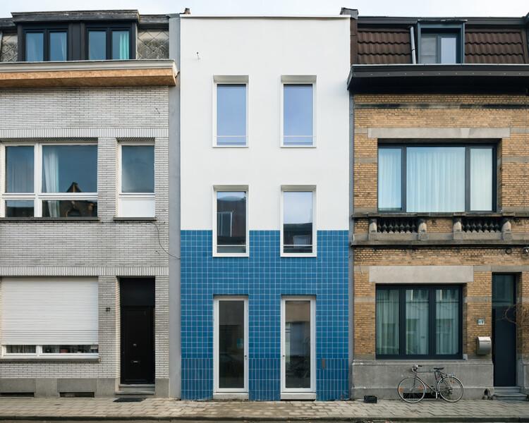 Una casa sencilla / FELT, © Stijn Bollaert