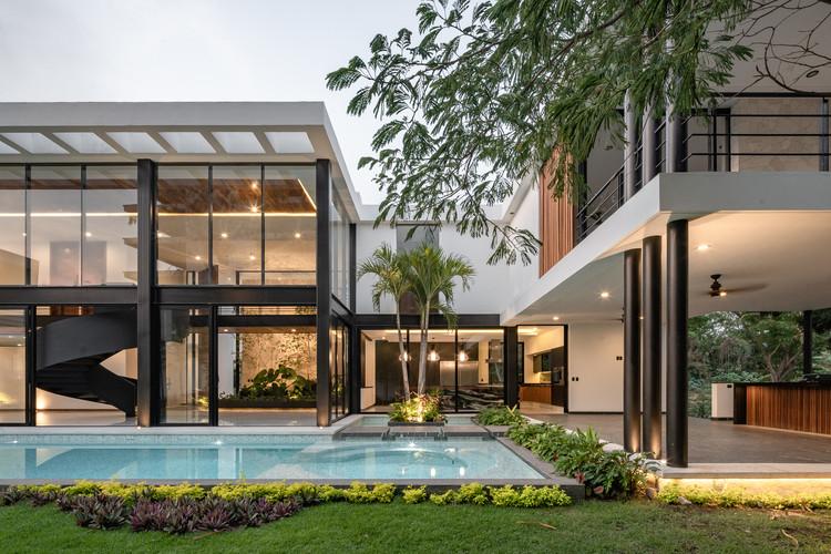 Water House / Di Frenna Arquitectos.  Изображение © Оскар Эрнандес