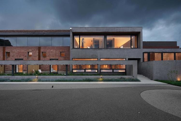Retrofit Time-Storage / Evollab & Atelier LEX, exterior. Imagem © Atelier de Leon