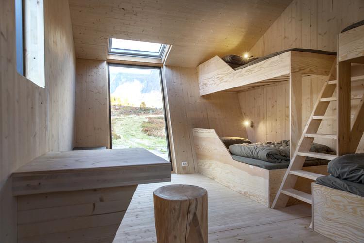 Tungestølen Hiking Cabin / Snøhetta. Image © Jan M Lillebø