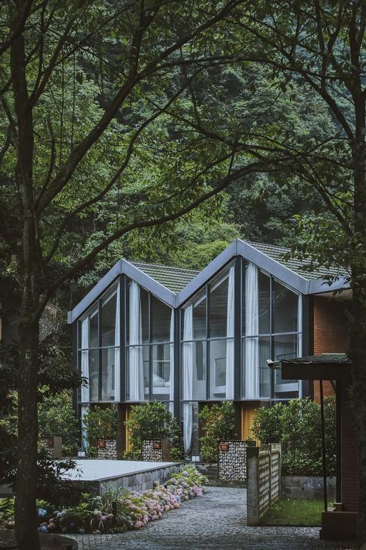 дом с видом на горы.  Изображение © Arch-Exist