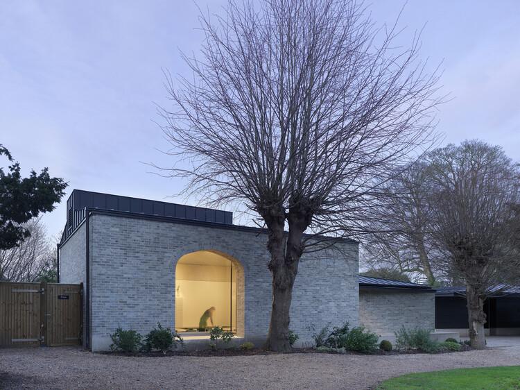 Учебный центр Walmer Castle and Gardens (Дувр) от Adam Richards Architects.  Изображение © Brotherton Lock