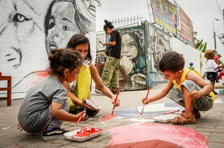 """""""El Urbanismo Ciudadano es un concepto que estamos promoviendo desde América Latina"""": Lucía Nogales de Ocupa tu Calle, Ocupa Tu Barrio - Paseo de la fama Inka. Image © Arturo Diaz Quiroz"""