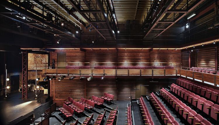 Солодовня, Королевская школа Кентербери от Tim Ronalds Architects.  Изображение © Филип Вайл