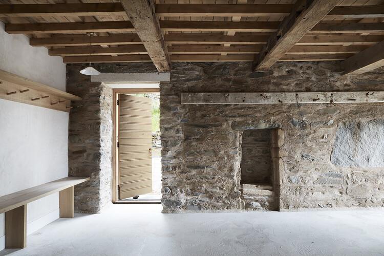 Дом Пеле Тауэр (Озерный край) от Woollacott Gilmartin Architects.  Изображение © Luke_White