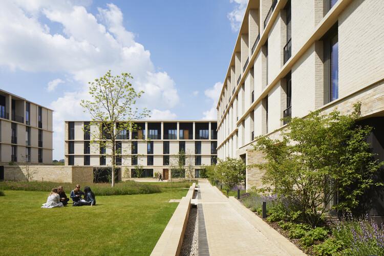 Ключевой рабочий корпус, Эддингтон (Кембридж), Стэнтон Уильямс.  Изображение © Джек Хобхаус