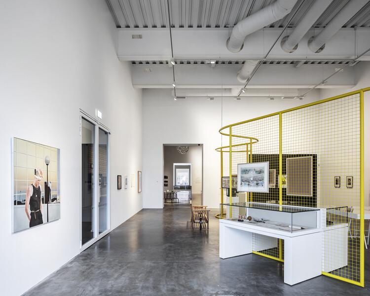MK Gallery (Милтон Кейнс) от архитекторов 6a.  Изображение © Йохан Делин