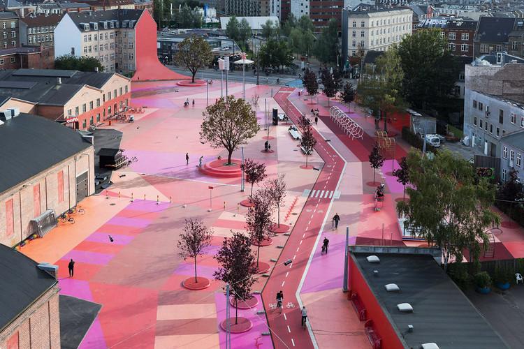 Diseño interseccional: Repensando la arquitectura del futuro, Parque Superkilen. Imagen © Iwan Baan