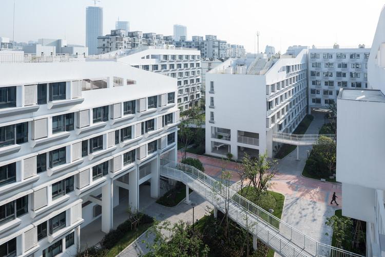 Социальный жилой комплекс Longnan Garden / Atelier GOM.  Изображение предоставлено CreatAR Images