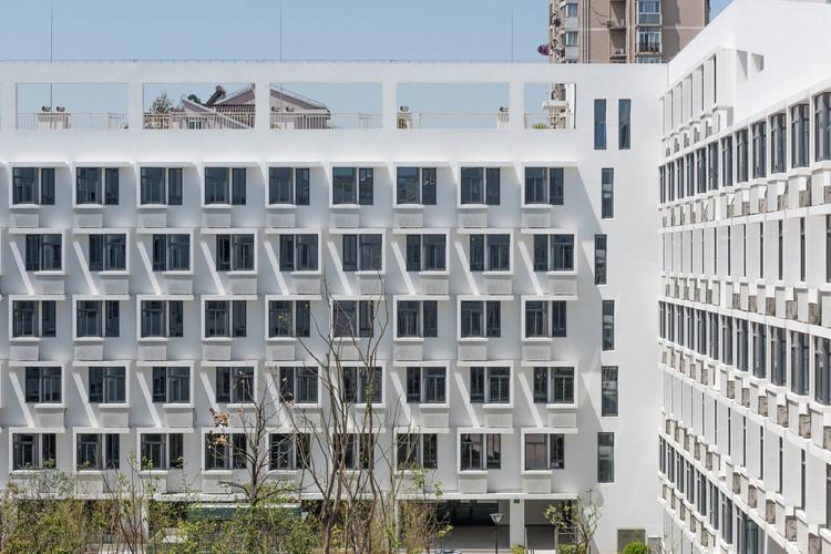 Vivienda social contemporánea en China: jugando con las limitaciones, Longnan Garden Social Housing Estate / Atelier GOM. Image Courtesy of Atelier GOM