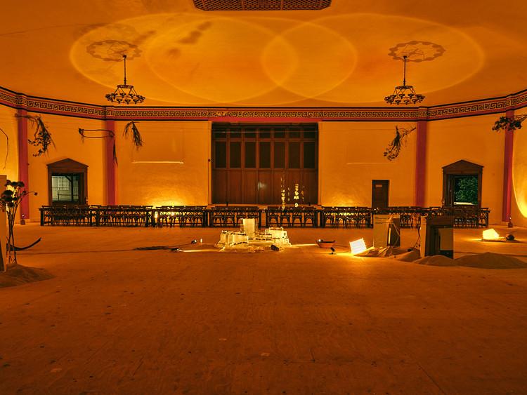 Espacios de encuentro: cuando la gastronomía se conjuga con el diseño de iluminación, MC Chefs por Ananas Ananas. Instalación en Los Ángeles, 2021. Image © Shelby Moore