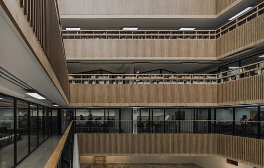 Modernización de la Biblioteca Gabriel Turbay / CONTRAPUNTO Taller de Arquitectura