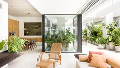 Apartamento CR / Pascali Semerdjian Arquitetos