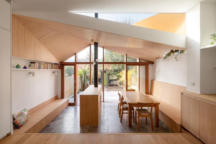 SE24: Whilst Sitting Under a Tree / Turner Architects, © Adam Scott