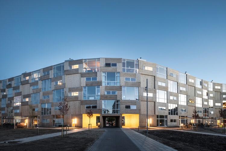 Casas para todos - Dortheavej Residence / Bjarke Ingels Group.  Изображение © Rasmus Hjortshøj
