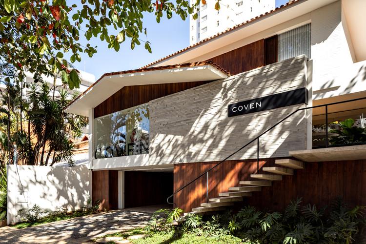 Loja Coven  / Play Arquitetura e Design, © Fran Parente