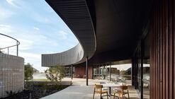 Residência Estudantil City Beach / iredale pedersen hook architects