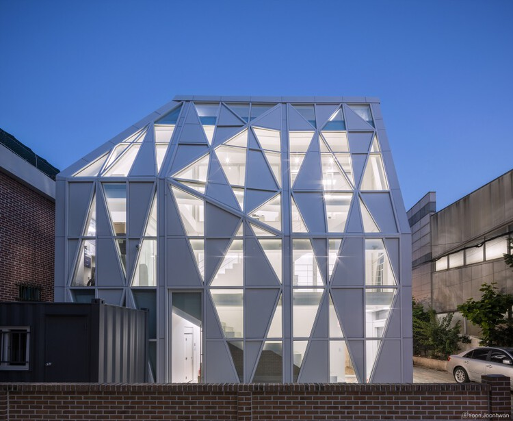Triangle Scape / UnSangDong Architects, © Joonhwan Yoon
