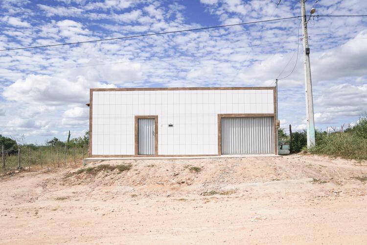 Arquiteturas populares em sertões da Bahia: perspectivas sociais, econômicas e políticas, Casa em Lagoa do Saco, município de Monte Santo, Bahia. Image © Pedro Levorin