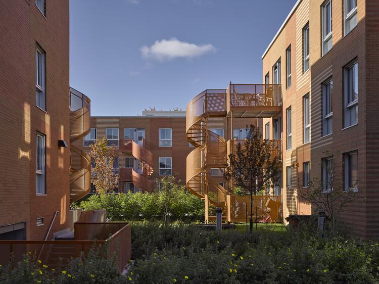 Complejo residencial Saint-Michel Nord / Saia Barbarese Toupouzanov Architectes, © James Brittain