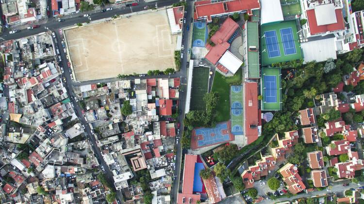 ¿Tiene solución la desigualdad en las ciudades de Latinoamérica?, Cidade do México, México. Image © Johnny Miller Photography