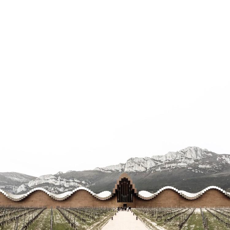Bodega Ysios / Santiago Calatrava.  La Rioja, Spain.  Photo © Alessandra Teisseire