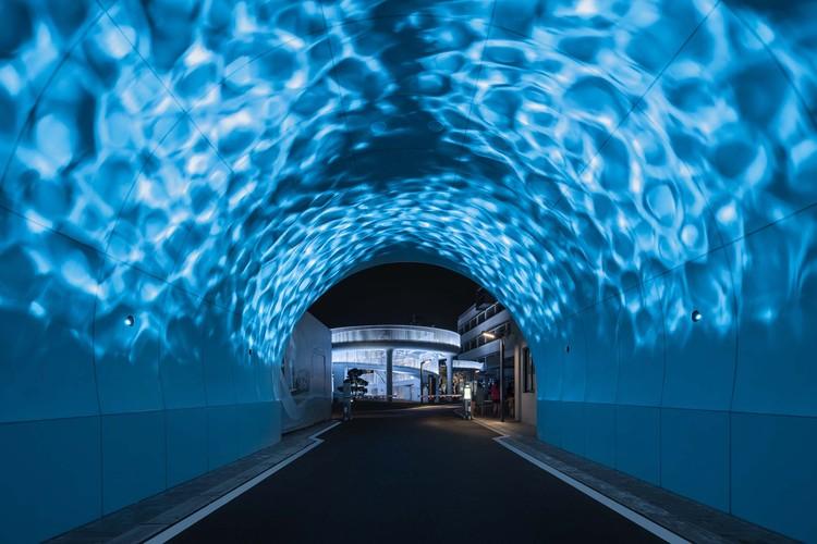 ночной коридор.  Изображение © Qingshan Wu
