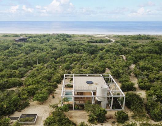 Cosmos House / S-AR- PUERTO ESCONDIDO, MEXICO. Image © Claudio Sodi