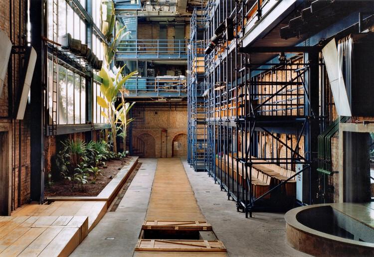 Arquitetura em cena: 10 teatros brasileiros, Teatro Oficina / Lina Bo Bardi e Edson Elito. Foto: © Nelson Kon