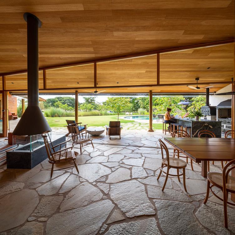 Casa Montemor / Brasil Arquitetura, © Manuel Sá